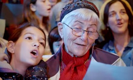 "WATCH: 600 Holocaust survivors and their families sing moving song ""Chai"""