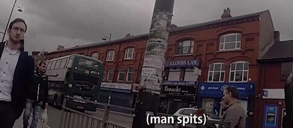 UK: Kippah-wearing journalist verbally assaulted in Britain
