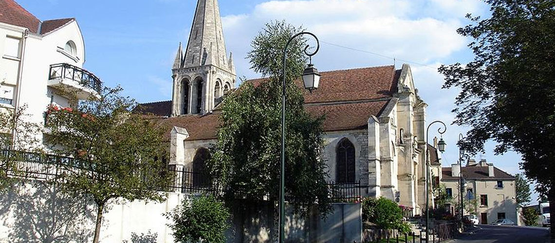 French Jewish woman assaulted in Paris suburb by 3 men shouting 'Hitler didn't finish his work'