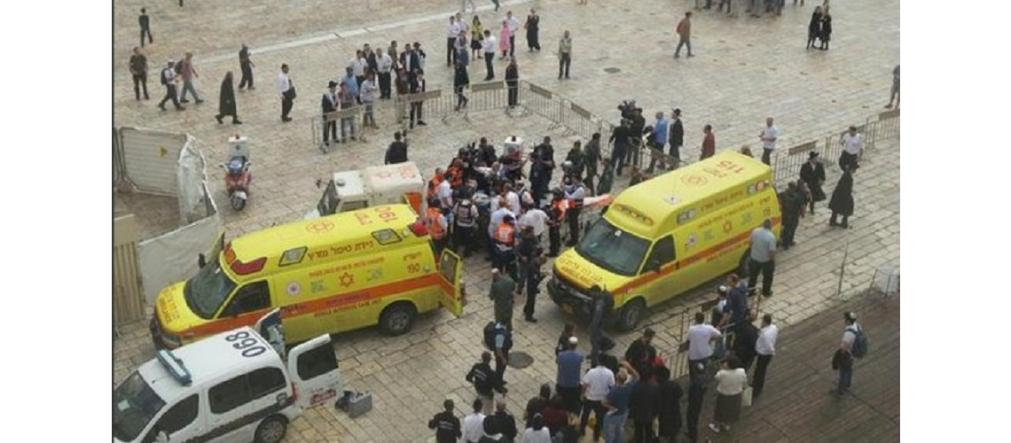 Two more Israelis stabbed by Palestinians in separate attacks