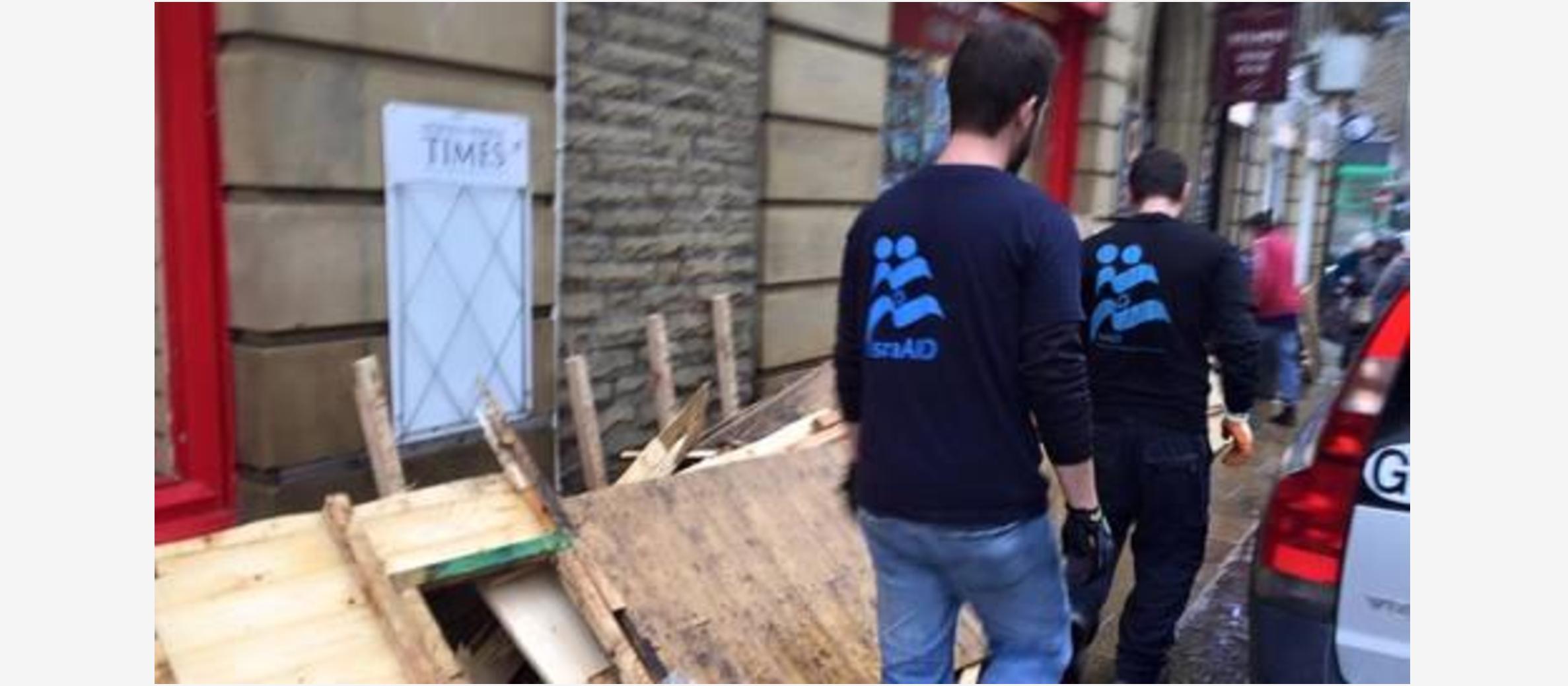 Lord Mayor of Leeds praises Israeli charity's flood response; team now moves to Scotland