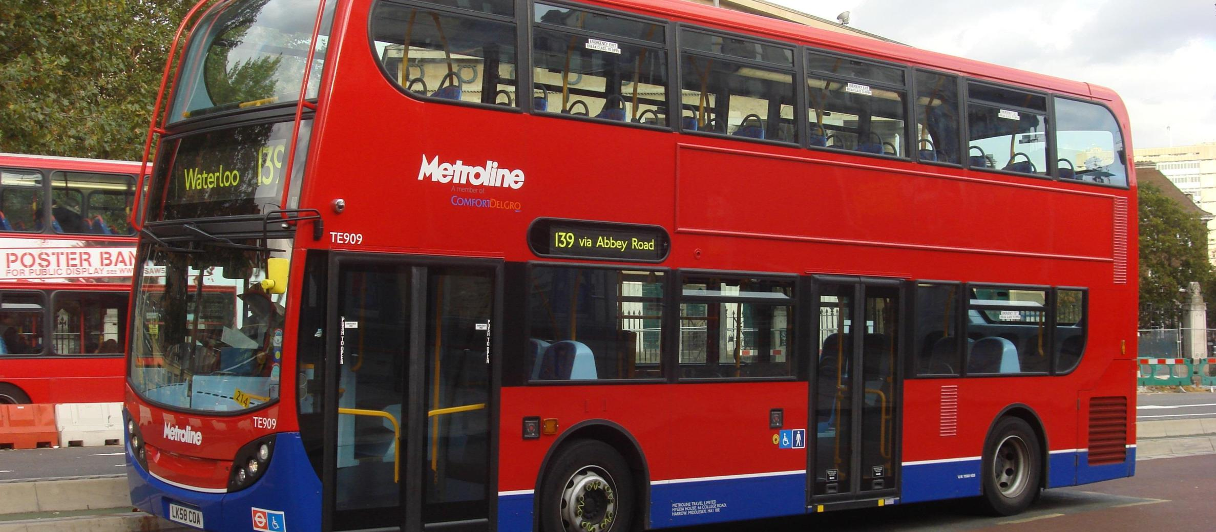 Police launch investigation into 'anti-Semitic' abuse on London bus