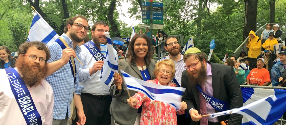 30,000 parade through New York in support of Israel