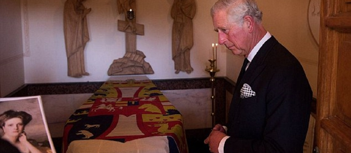 Prince Charles visits grandmother's grave in Jerusalem