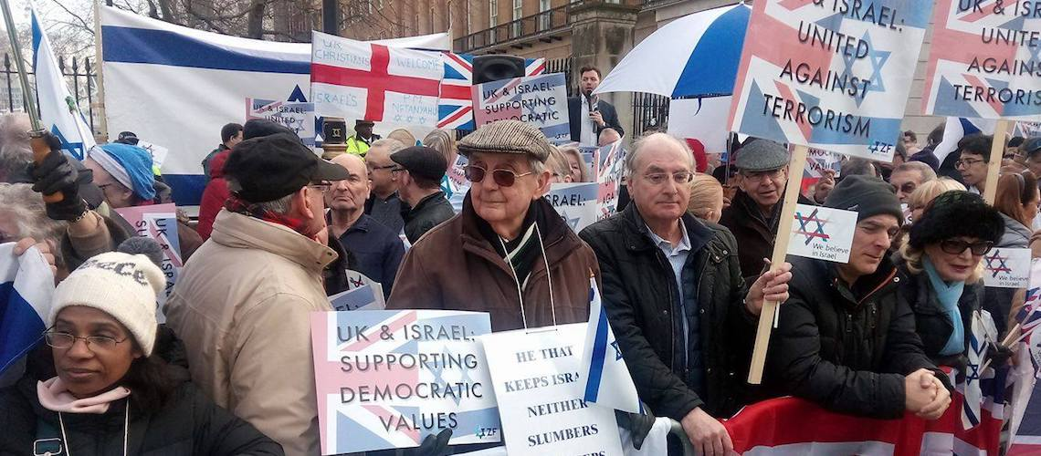 Pro-Israel supporters descend on Downing Street to welcome Netanyahu