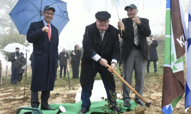 """Sir Eric Pickles MP honoured as """"friend of Jewish community"""" with Israel tree planting"""