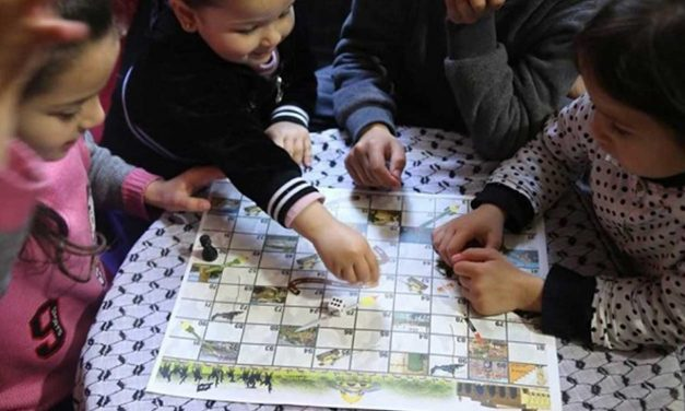 New Palestinian version of 'Snakes and Ladders' teaches Jihad to children