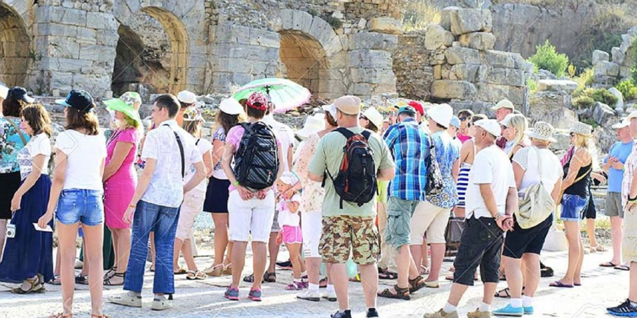 Israel tourism is booming as April sees record high