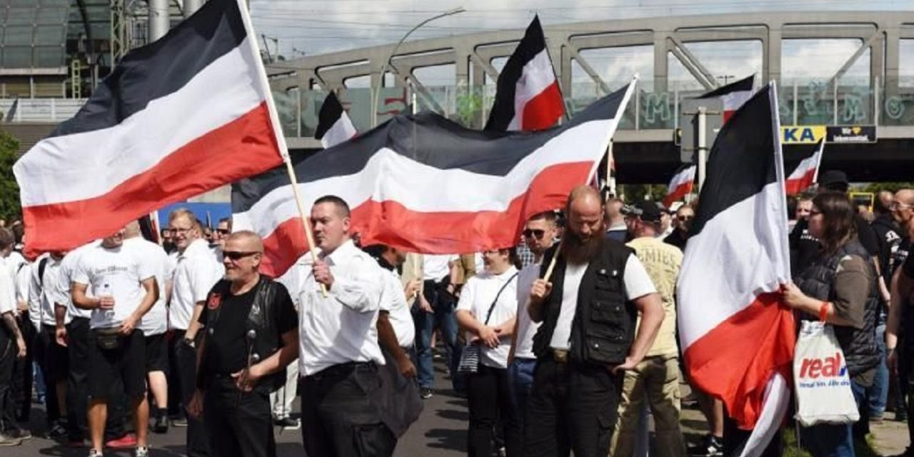 Over 500 neo-Nazis march through Berlin