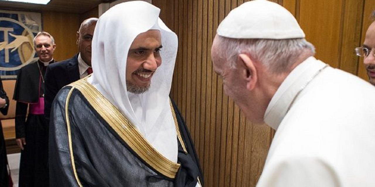 Pope Francis welcomes leader of controversial Muslim World League