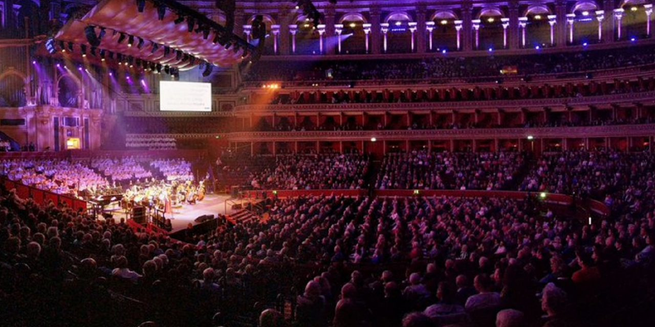 Thousands attend Royal Albert Hall for Balfour celebration