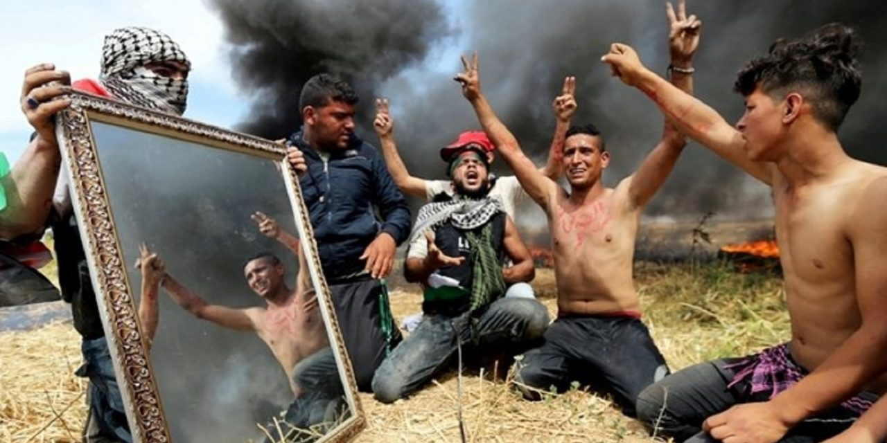 """Smoke and mirrors"" – Palestinians to burn THOUSANDS of tyres at Israel's border"