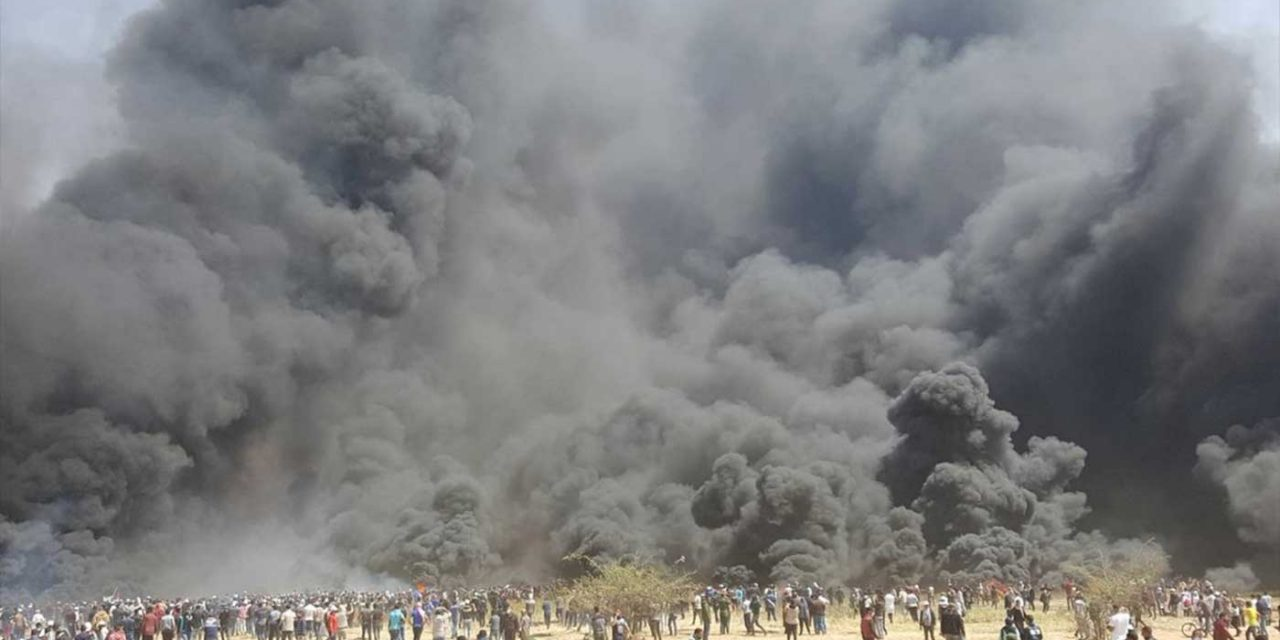 Thousands of Palestinians light huge fires in Hamas-led riots at Israel's border
