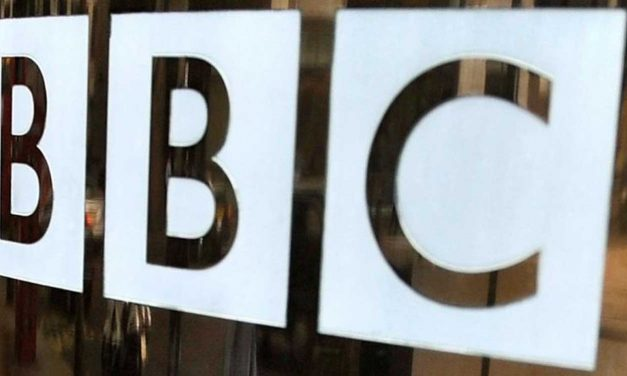 """BBC presenter misquotes """"list of bad people"""" to include """"Israelis"""""""