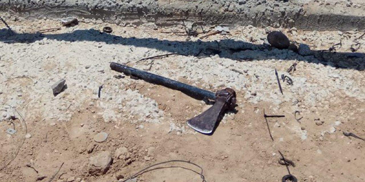 IDF shoots axe-wielding terrorist attempting to breach border