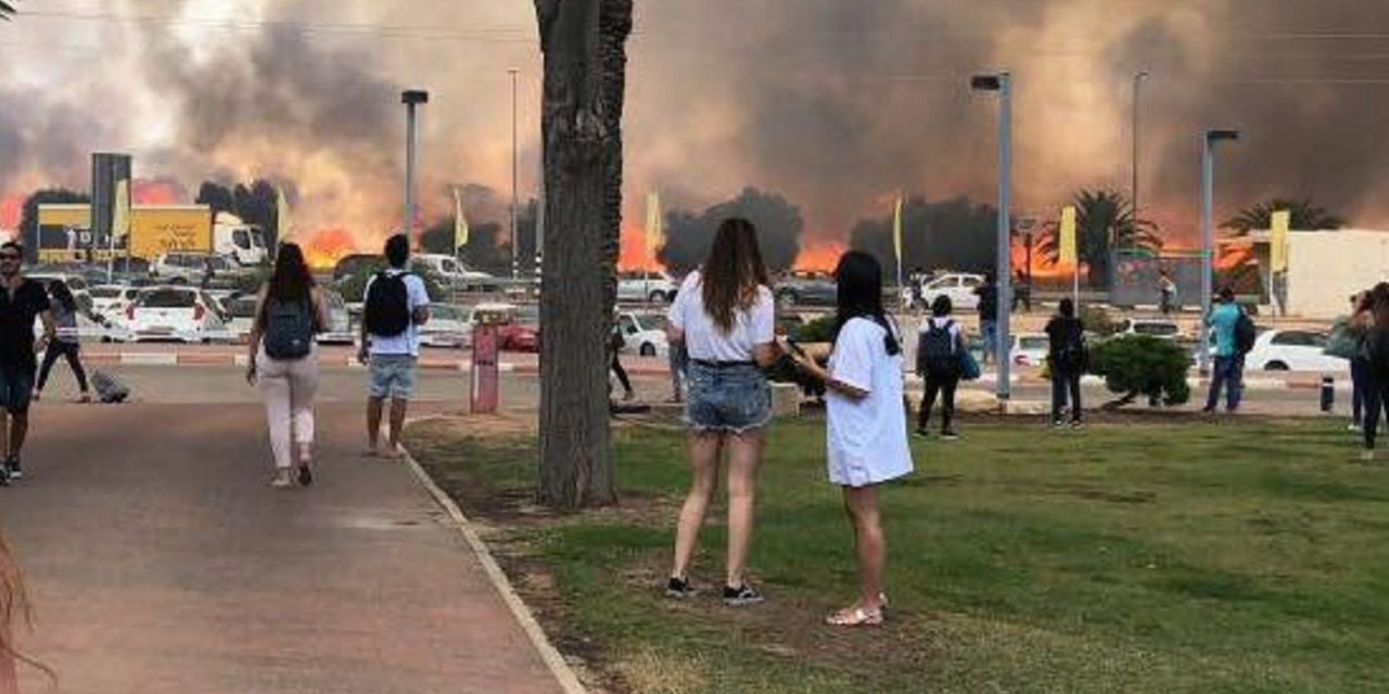 'Terror kites' cause massive fires in southern Israel; destroy nature reserve