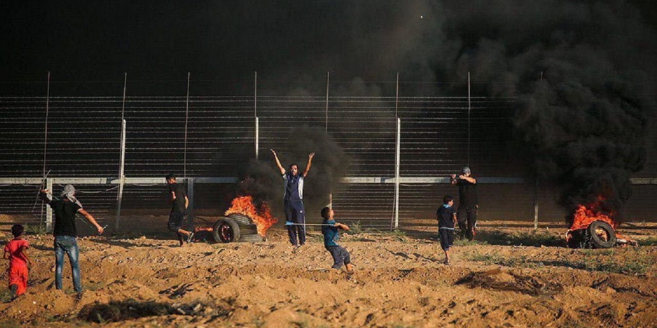 20,000 Palestinian rioters attack Israel's southern border on Friday