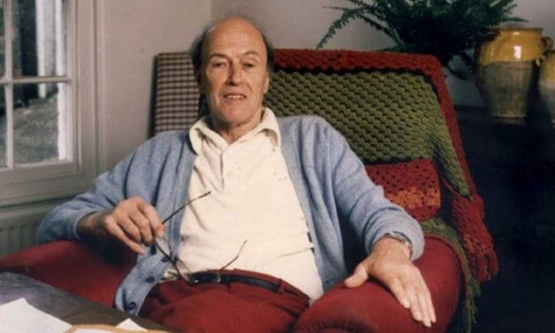 Roald Dahl's family apologises for author's anti-Semitic comments