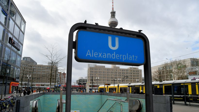 Berlin: Man arrested for shouting anti-Semitic slogans at train station