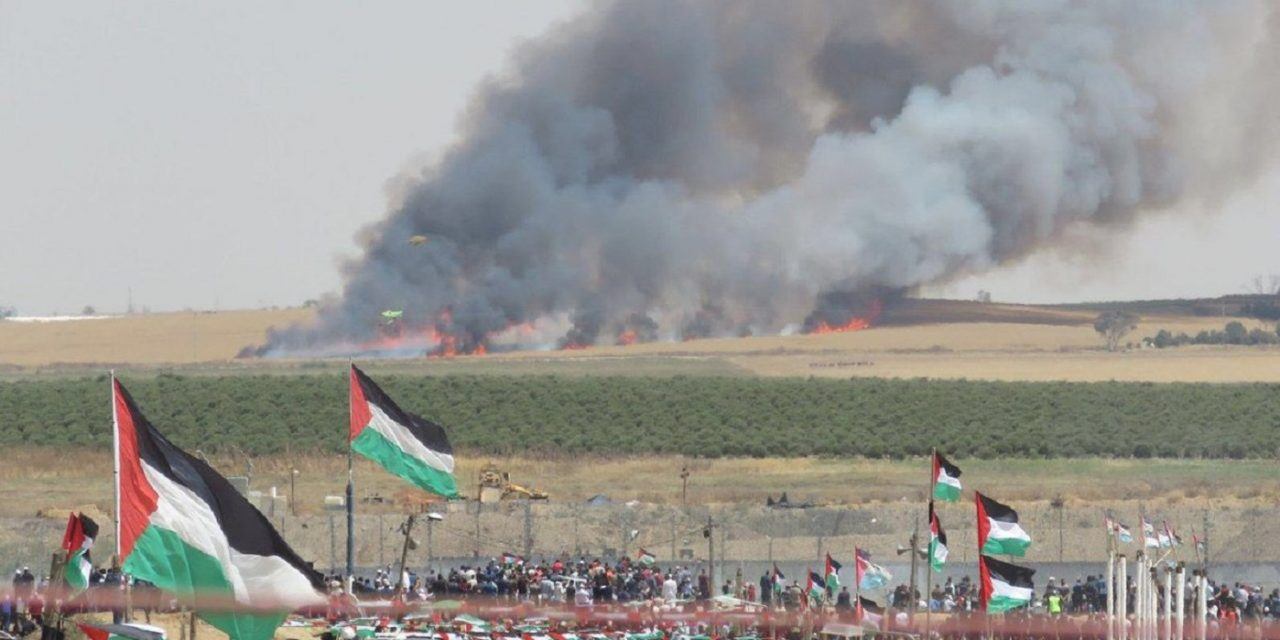 """Thousands of Palestinians mark """"Nakba Day"""" by attacking Israel's border"""