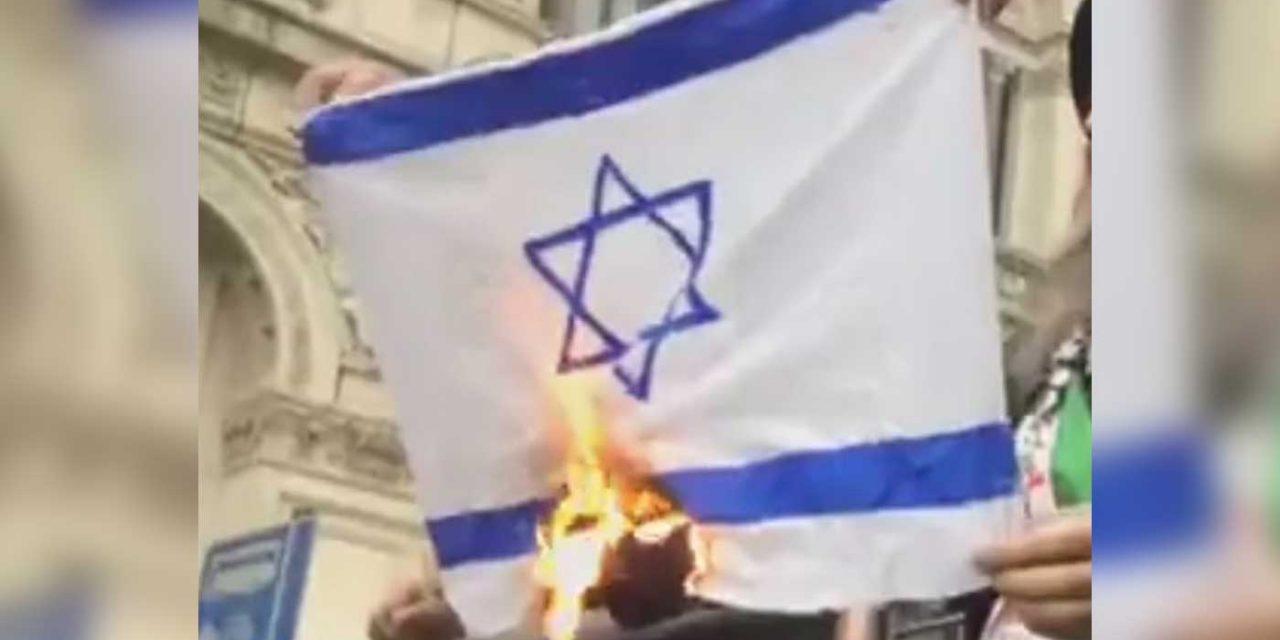 Israeli flags burned outside Downing Street