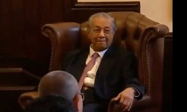 Malaysia's Prime Minister makes anti-Semitic joke at Cambridge Union