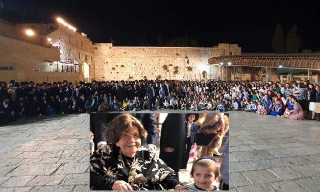 Auschwitz survivor celebrates 104th birthday with 400 descendants at Western Wall