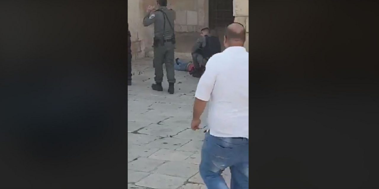 Israeli police officer stabbed at Temple Mount by Palestinian terrorist