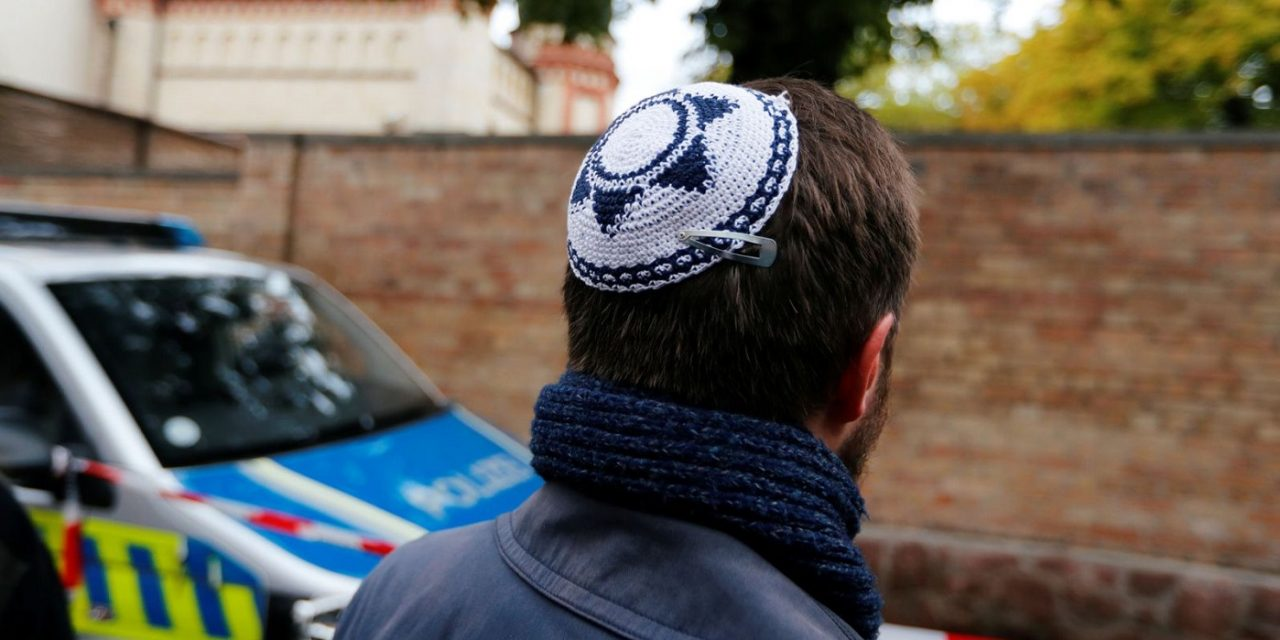 Anti-Semitic gunman tried but failed to enter synagogue with 80 Jewish worshippers inside