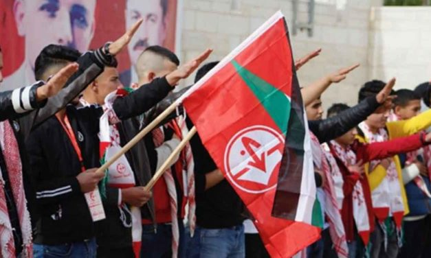 Palestinian students photographed performing Nazi salute