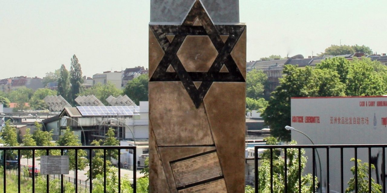 Berlin: Youths sexually assault man in anti-Semitic attack near Holocaust memorial