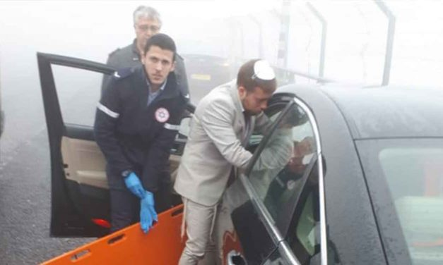 Israeli medic treats crash victims whilst on route to his own wedding