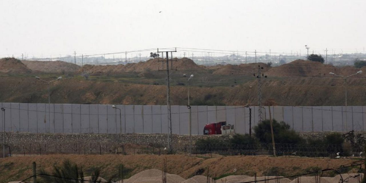 Egypt begins building giant wall on Gaza border