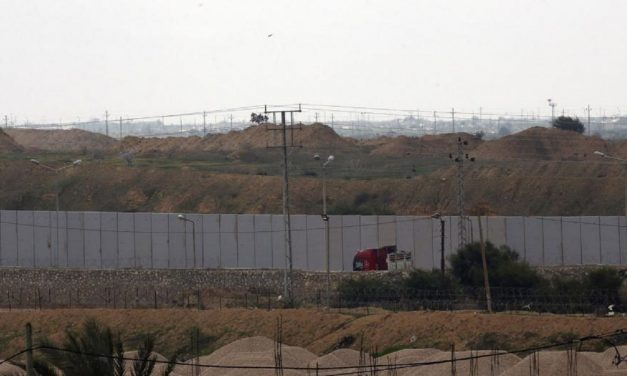 Egypt begins building giant wall on Gaza border