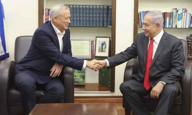 Israel: Netanyahu and Gantz sign deal for unity government