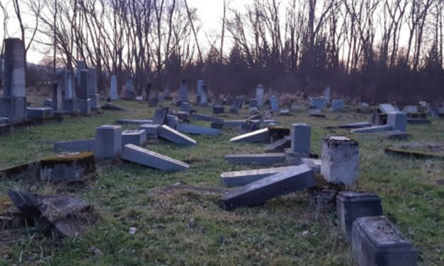 Jewish cemetery vandalised in Hungary