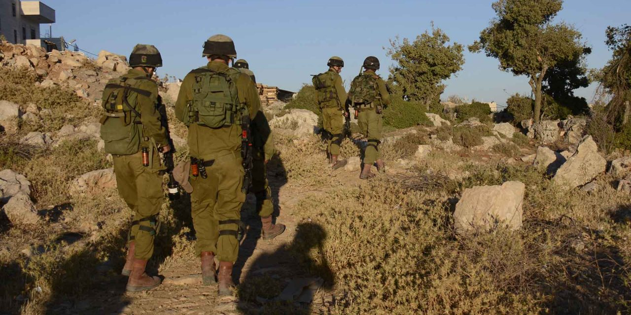 IDF troops thwart stabbing attack in Samaria; two terrorists wounded