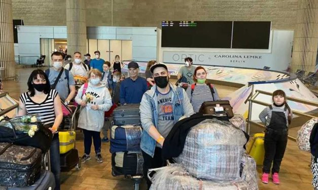 Christians help 1,000 Jews make aliyah to Israel during pandemic