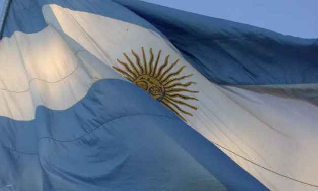 Argentinian professor offers bonus to 'whoever finds a poor Jew'