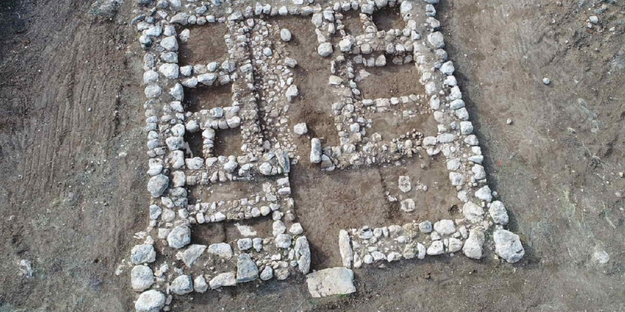 Archaeologists uncover 3,200-year-old citadel in southern Israel