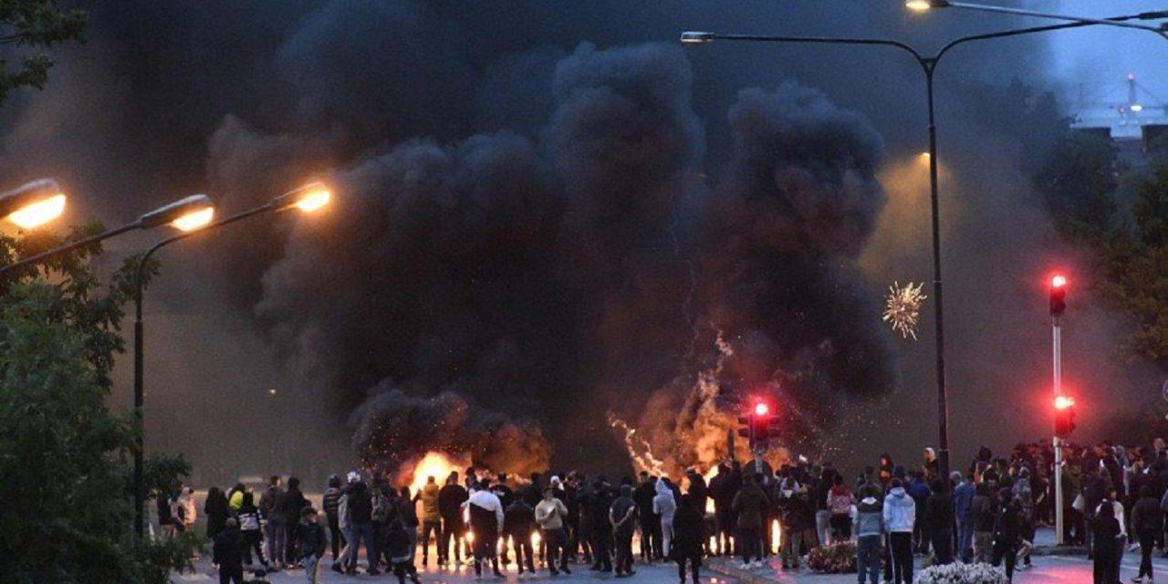 Swedish Muslims chant about killing Jews during Malmo riots