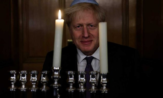 Boris wishes Jewish people 'Chanukah Sameach'