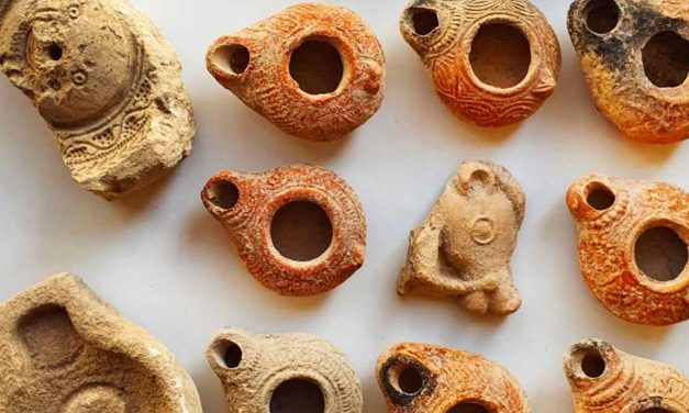 Discovery of ancient oil lamps highlight Jewish and Christian connection to Israel