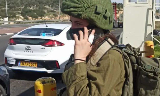 London born IDF soldier thwarts stabbing attack in Israel