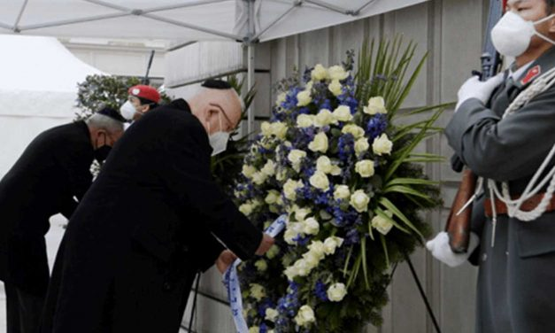 Israel and Austrian presidents honour Holocaust victims at ceremony in Vienna