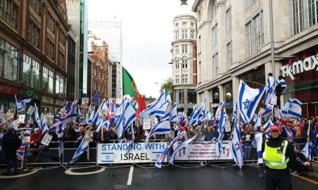 Israeli ambassador 'moved to see London streets coloured in blue and white'