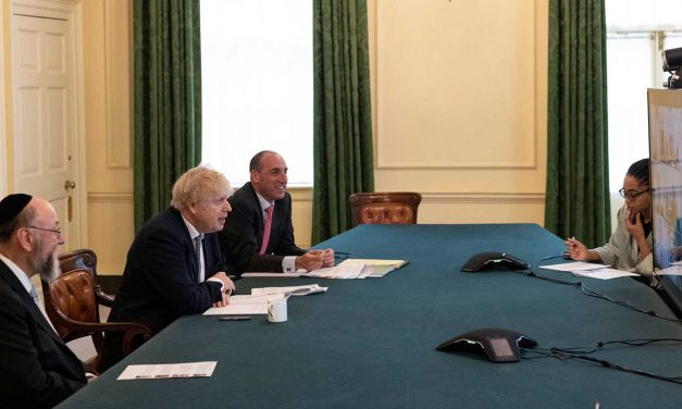 PM meets with Jewish leaders following surge of anti-Semitism in UK