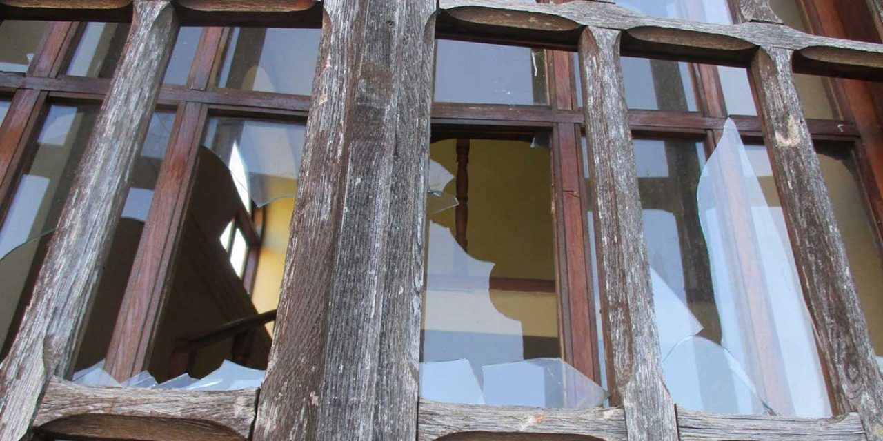 Teens shatter windows of Romanian synagogue