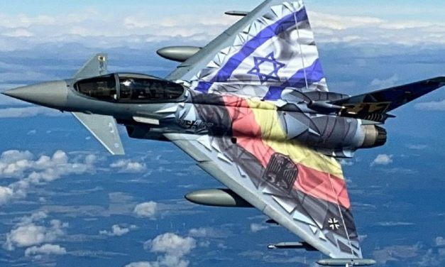 German and Israeli military planes fly over Jerusalem for first time since WWI